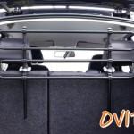 OVITAN Hundegitter fürs Auto 4 Streben universal zur Befestigung an den Kopfstützen der Rücksitzbank - für alle Automarken geeignet - Modell: H04